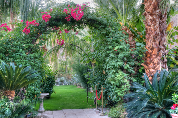 Casa De Monte Vista Wedding Arch